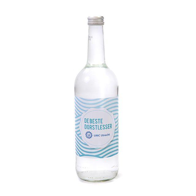 Glazen fles mineraalwater 75 cl