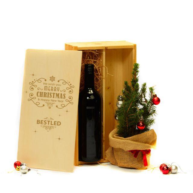 Kerstboom & biowijn in kist met eigen opdruk