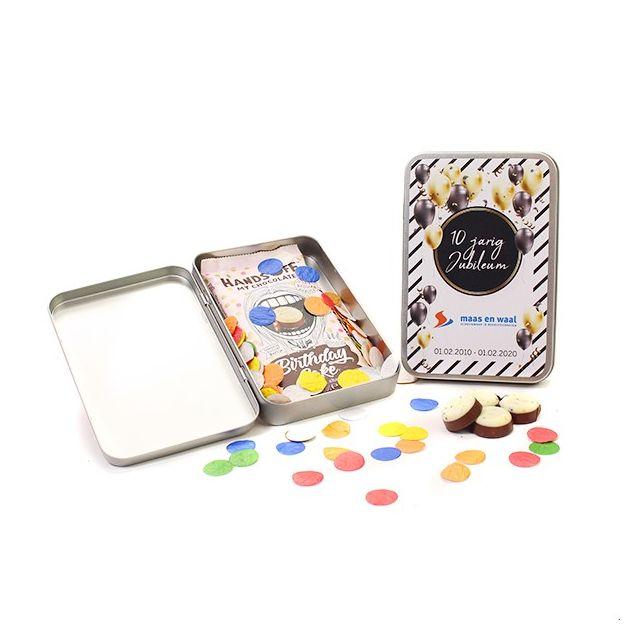Chocoladereep met confetti in geschenkblik