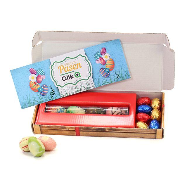 Kleurrijke eieren in brievenbusdoosje naar eigen ontwerp