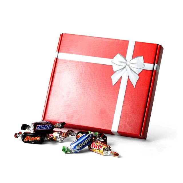 Postgeschikte geschenkverpakking met celebrations