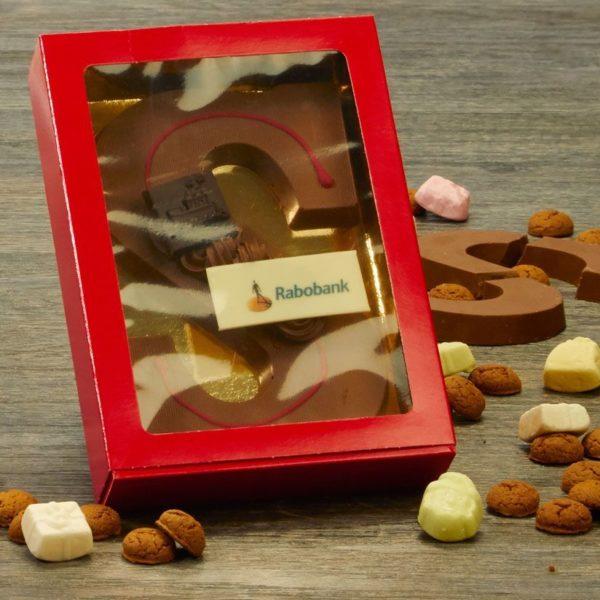 Chocoladeletters voor het Rabobank personeel