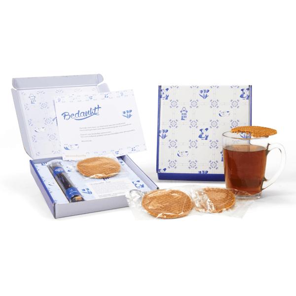 Stroopwafel thee in een leuke verzenddoos met een echte stroopwafel voor leraren.